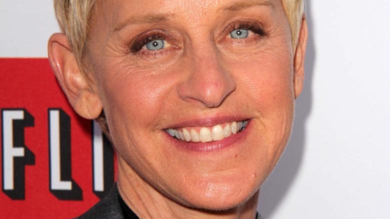 Ellen DeGeneres sonriendo