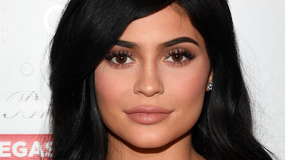 Kylie Jenner sonriendo