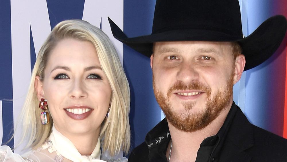 Cody Johnson y su esposa Brandi Johnson