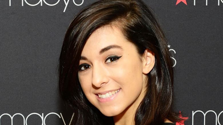 Christina Grimmie asiste al espectáculo de estrella en ascenso iHeartRadio de Macy's en la tienda