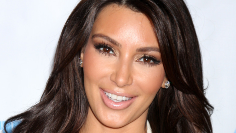Kim Kardashian en la 4ta Gala Anual de Noche de Generosidad en 2012