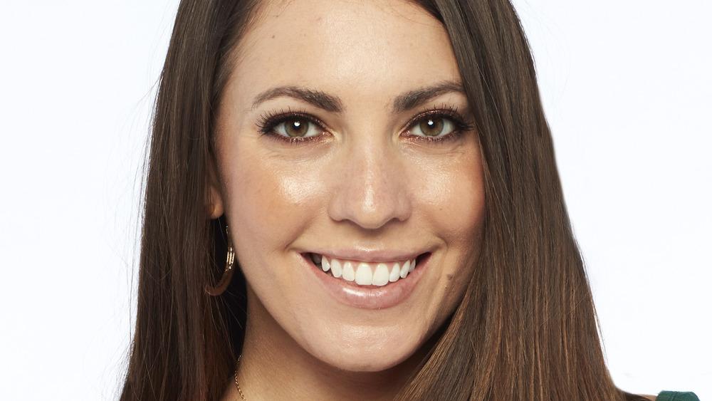 Victoria Larson sonriendo