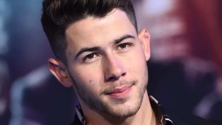 Nick Jonas en serio