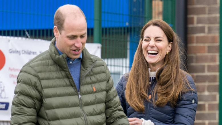 El príncipe William y Kate Middleton sonríen