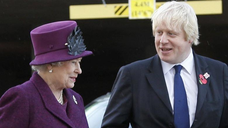 La reina Isabel II y Boris Johnson
