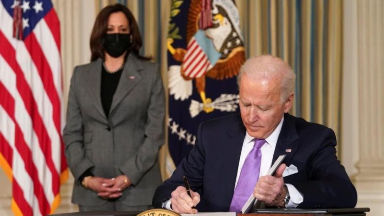 Joe Biden y Kamala Harris en la Oficina Oval