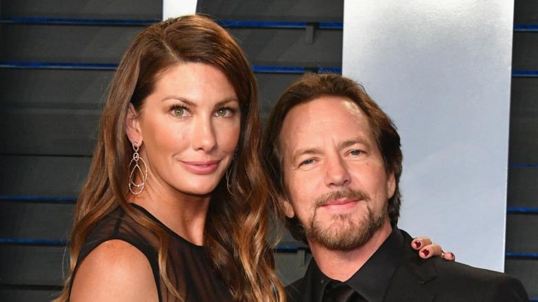 Eddie Vedder y Jill McCormick posando juntos