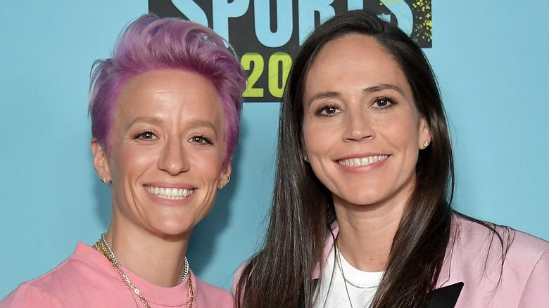 Megan Rapinoe y Sue Bird sonriendo