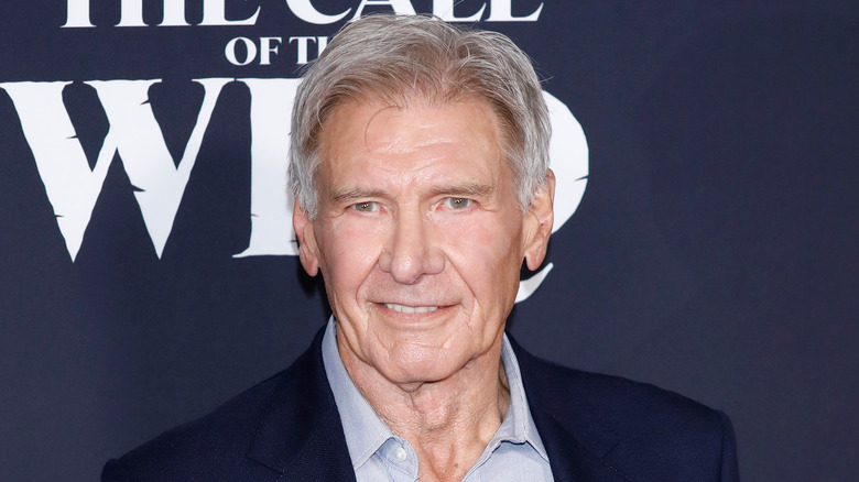Harrison Ford sonriendo