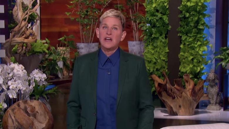 Ellen DeGeneres filmando 'The Ellen DeGeneres Show