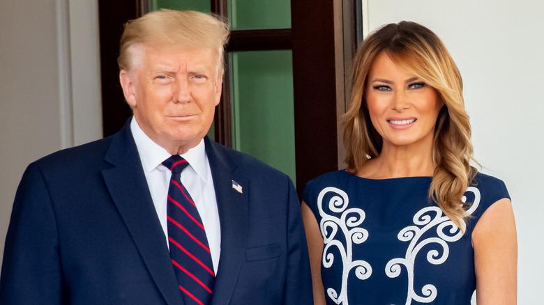 Donald y Melania Trump sonriendo