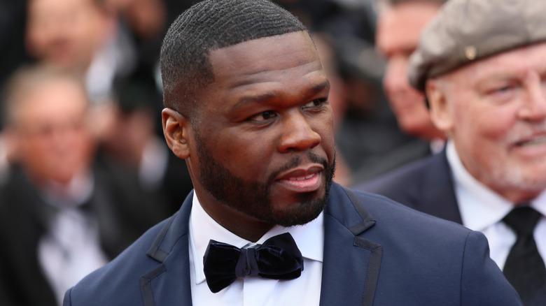 50 Cent vistiendo un esmoquin