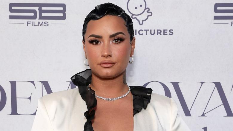Demi Lovato con pelo corto