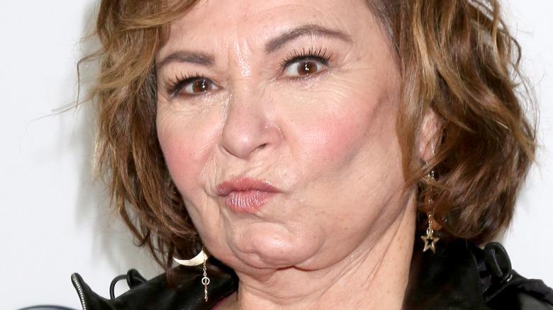 Roseanne Barr haciendo una mueca