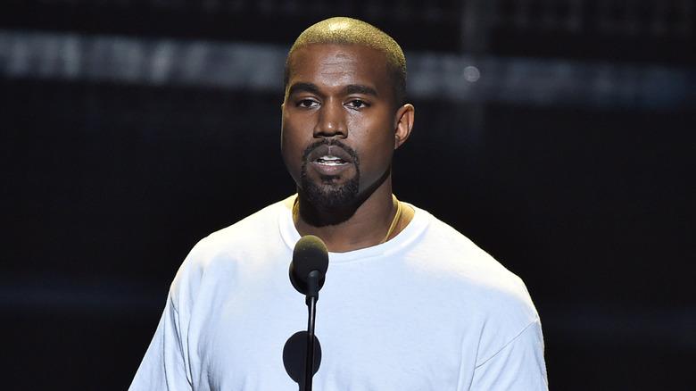 Kanye West al micrófono
