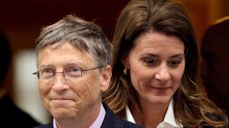 Bill Gates frente a Melinda Gates