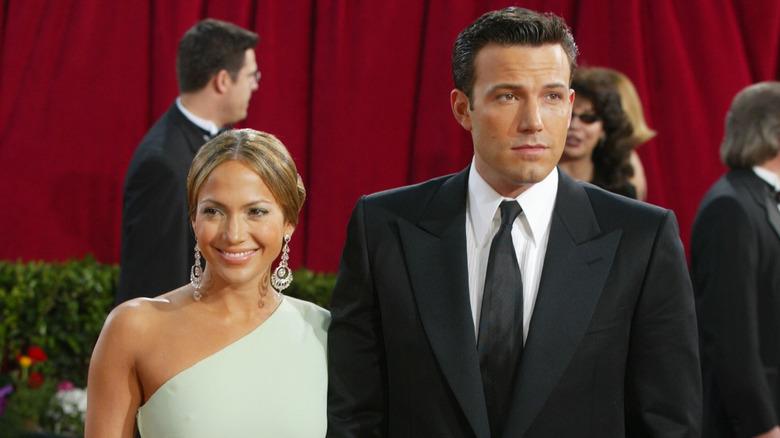 Jennifer Lopez y Ben Affleck sonriendo
