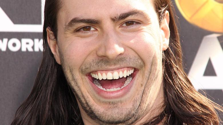 Andrew WK sonriendo