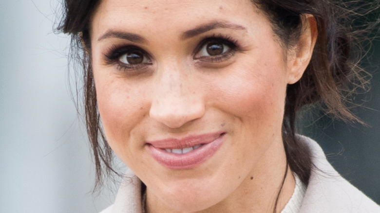 Meghan Markle ojos marrones