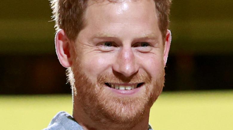 Príncipe Harry dientes torcidos