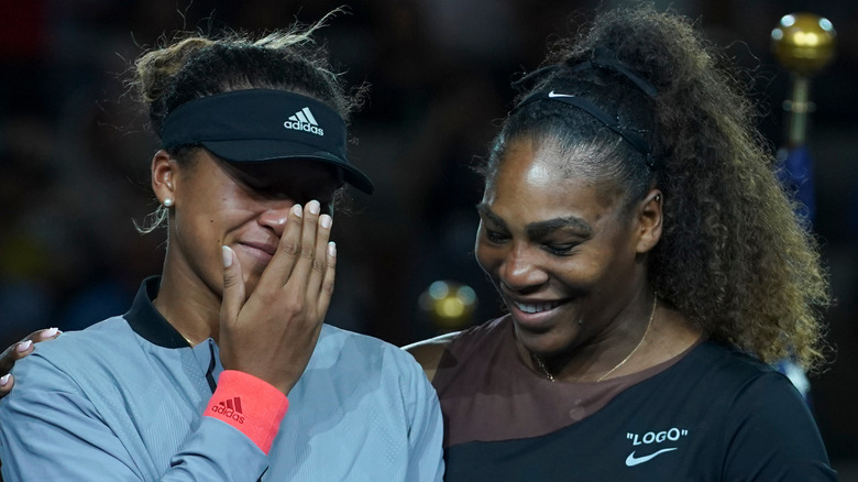 Naomi Osaka y Serena Williams tras la final de tenis