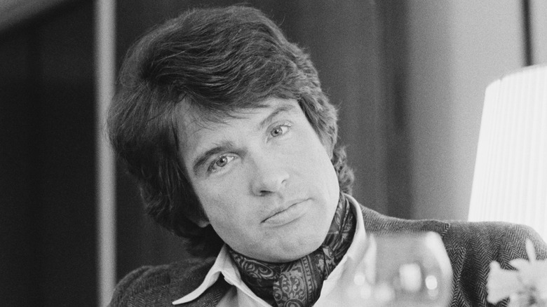 retrato de Warren Beatty en 1975