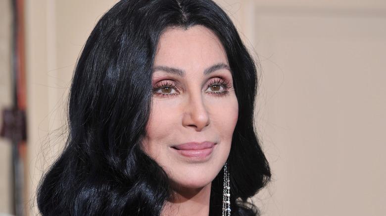 Cher en los Globos de Oro 2010