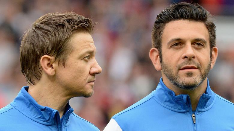 Jeremy Renner y Adam Richman en Soccer Aid 2014
