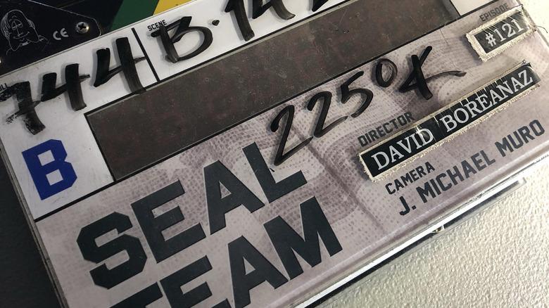 Una tablilla que muestra a David Boreanaz como director