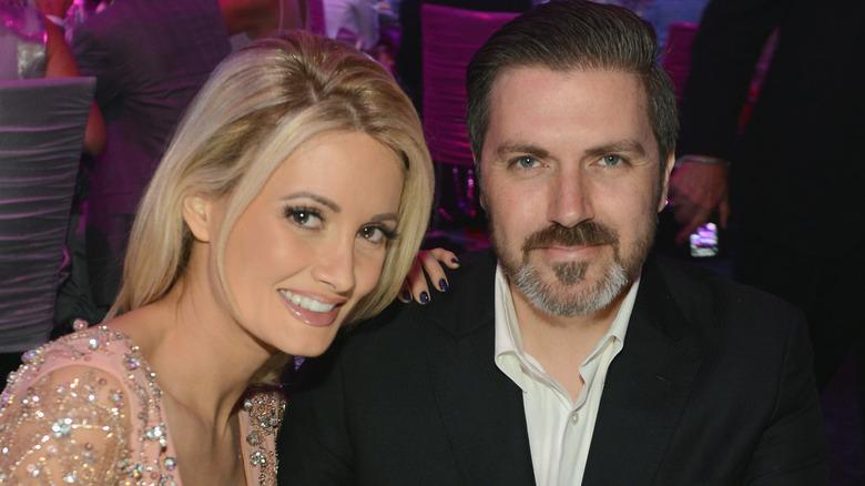 Holly Madison y Pasquale Rotella en un evento