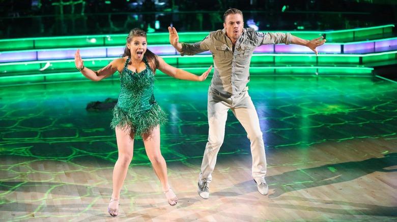 Bindi Irwin y su pareja de baile en Dancing with the Stars