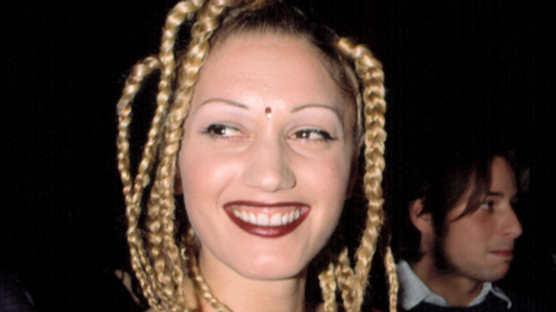 Gwen Stefani con un bindi