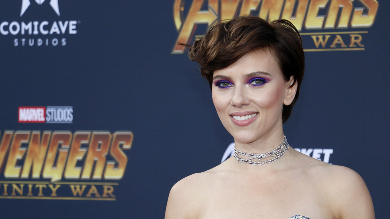 Scarlett Johansson sonriendo