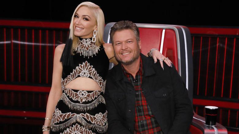 Gwen Stefani y Blake Shelton en el set de The Voice