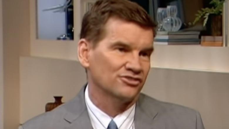 Ted Haggard con un traje gris