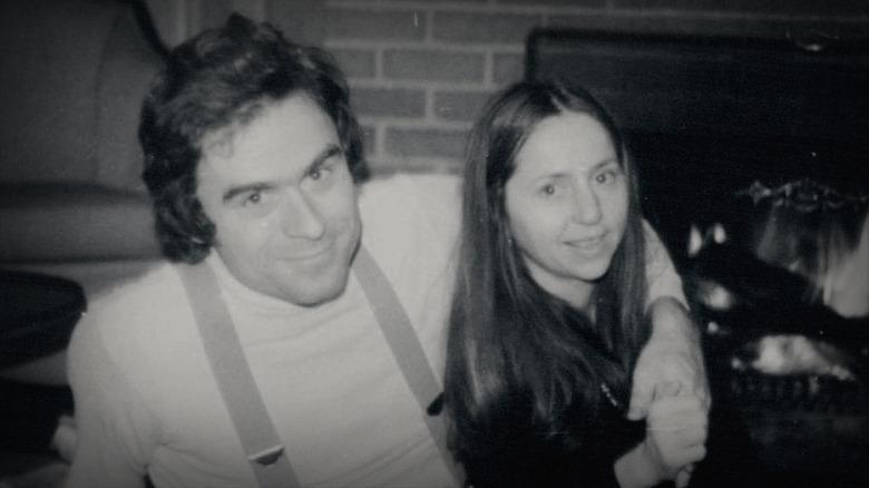 Ted Bundy, Elizabeth Kendall, del brazo
