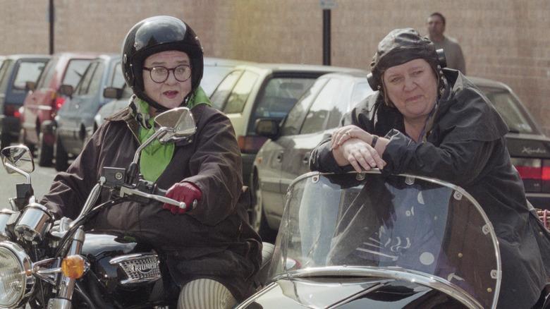 "Clarissa Dickson Wright y Jennifer Paterson de ""Two Fat Ladies"""