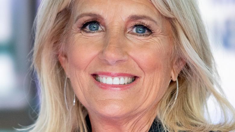 Dr. Jill Biden sonriendo