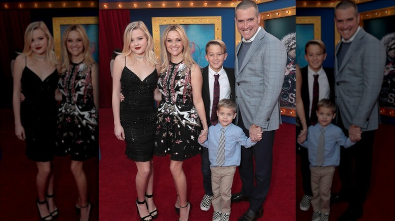 Ava Phillippe, Reese Witherspoon, Deacon Phillippe, Jim Toth y Tennessee Toth