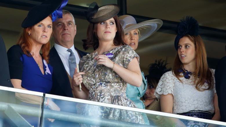 Sarah Fergie Ferguson, el príncipe Andrés, la princesa Eugenia, la princesa Beatriz
