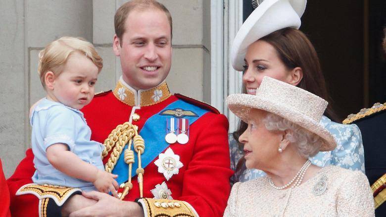 Prince George y Queen Elizabeth