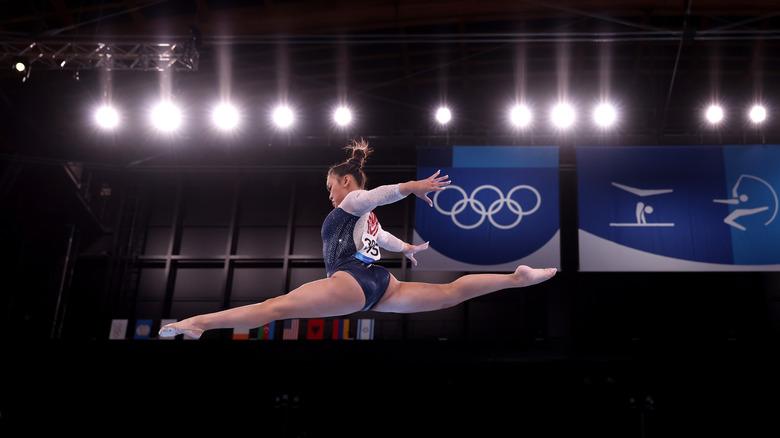 Viga de equilibrio Suni Lee
