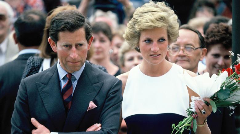 El Príncipe Carlos y la Princesa Diana, Príncipe y Princesa de Gales, durante su visita oficial a Hungría en 1990