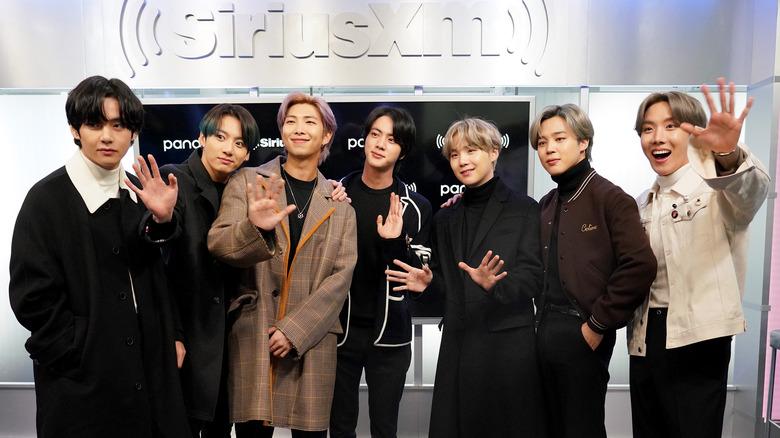 BTS visita los estudios Sirius XM