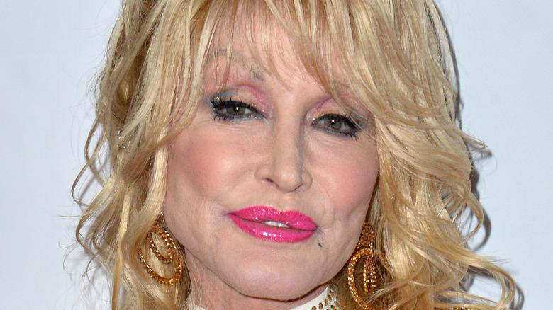 Alfombra roja de Dolly Parton