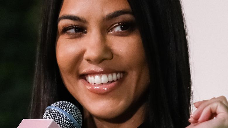 Kourtney Kardashian en el escenario