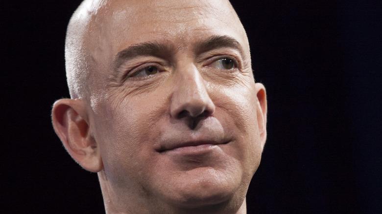 Sonrisa de Jeff Bezos
