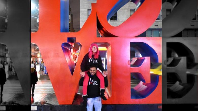 Minaxi y Vishnu en Times Square Nueva York