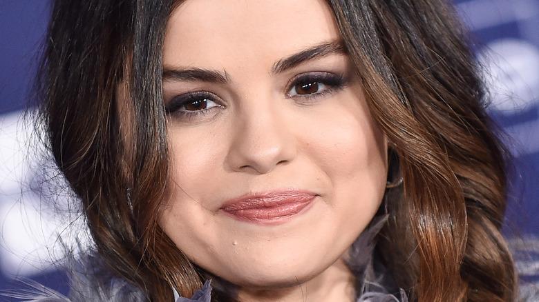 Selena Gomez en la alfombra roja