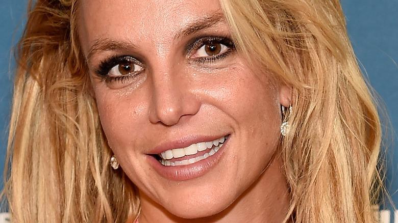Britney Spears ojos marrones